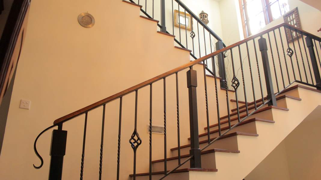 A plus wrought iron sri lankas no 01 wrought iron company for Balcony designs pictures sri lanka